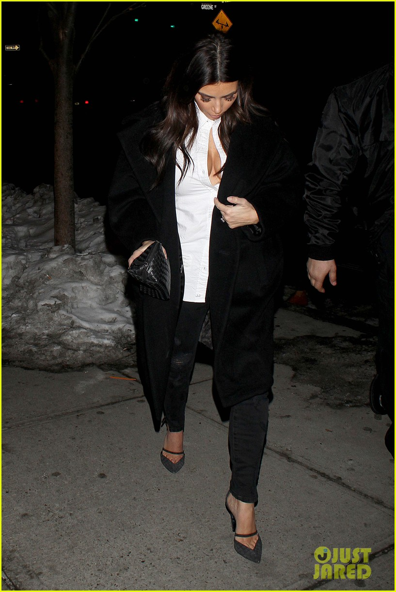 kim kardashian stays in nyc while kanye west continues tour 143055222