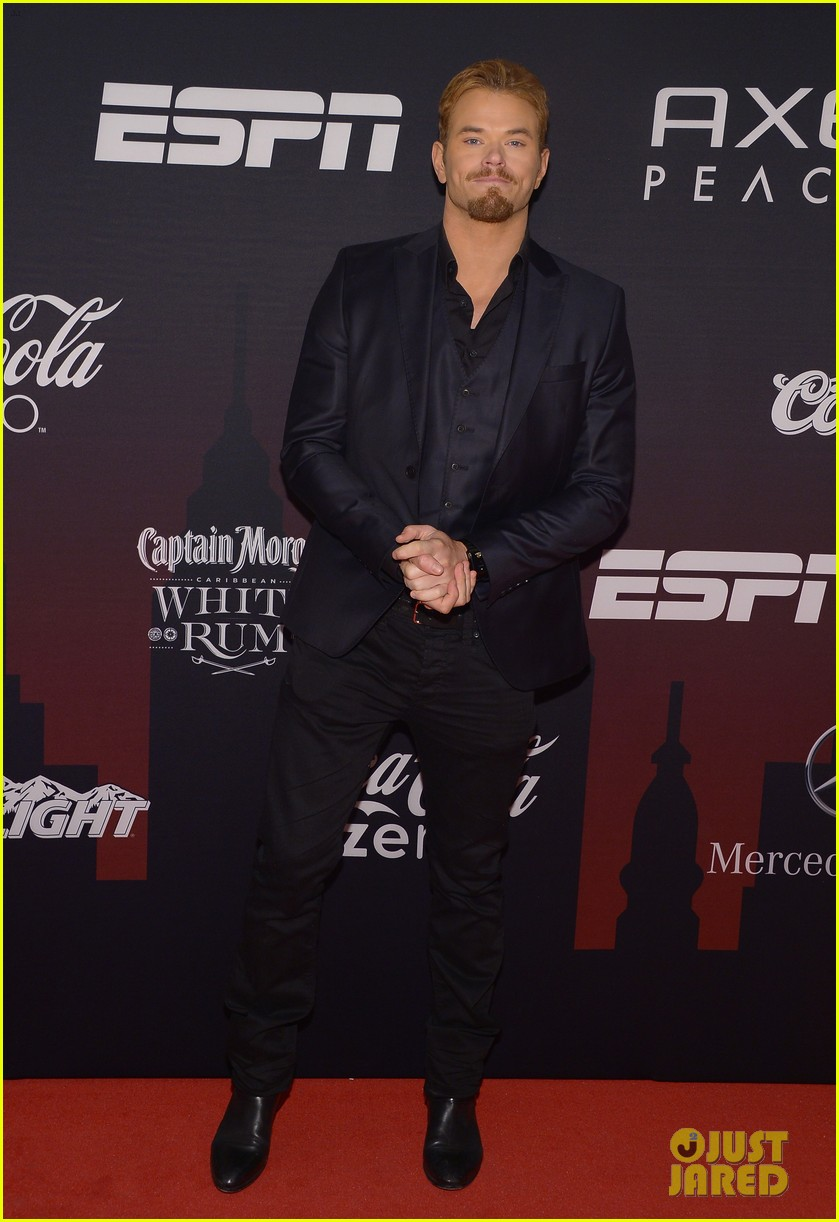 kellan lutz robin thicke espn super bowl party 2014 033045491