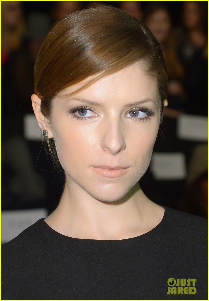 anna kendrick doesnt want to see scary anti smoking ads 10