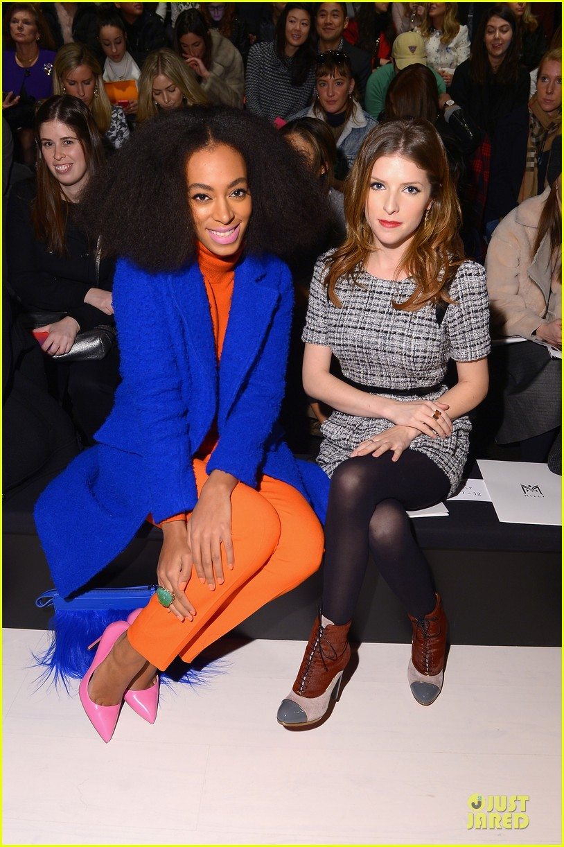 anna kendrick solange knowles milly by michelle smith fashion show 02