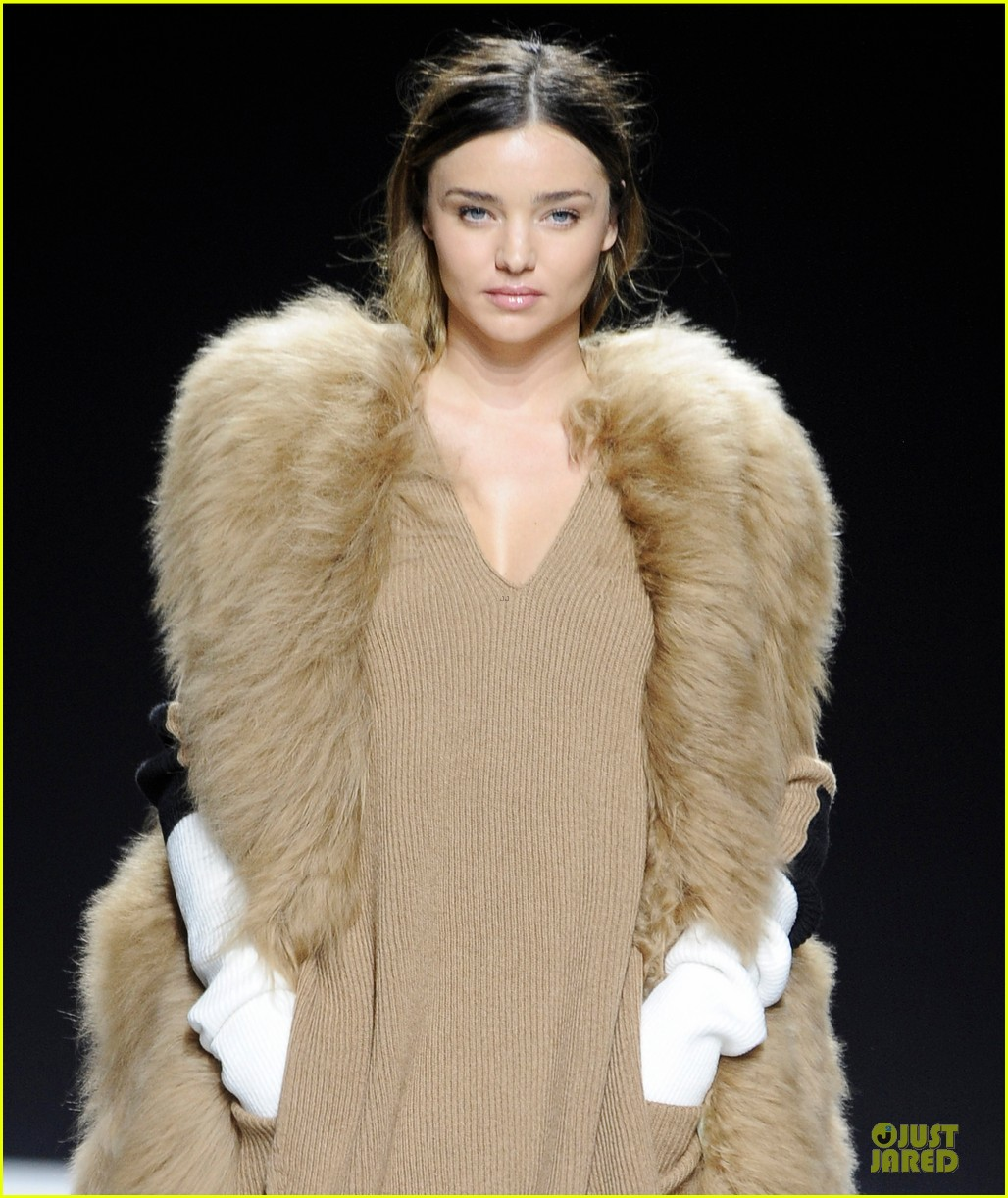 miranda kerr walks sonia rykiel fashion show 10
