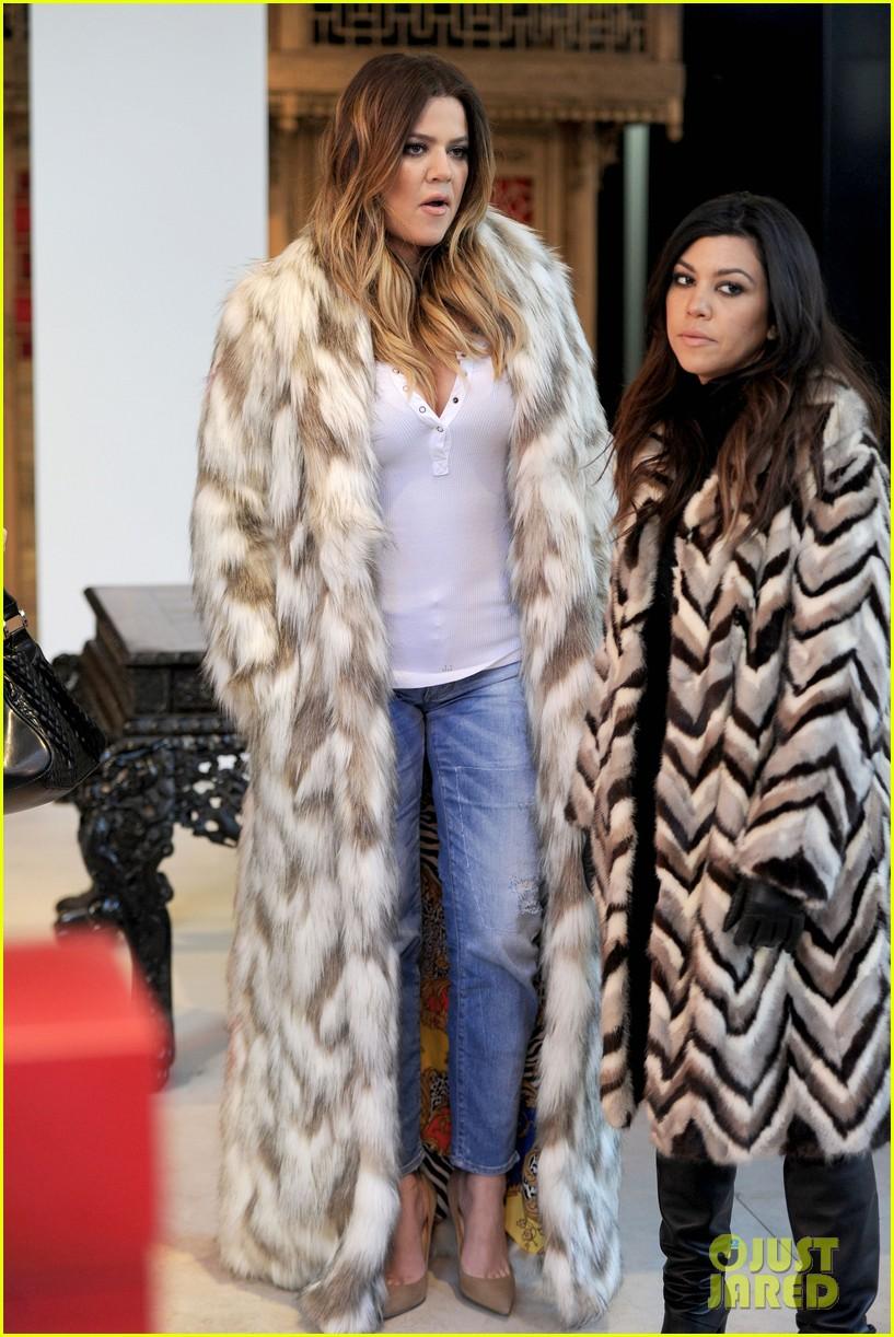 kim kardashian films kuwtk with her sisters khloe sends message on coat fxck yo fur 163055134