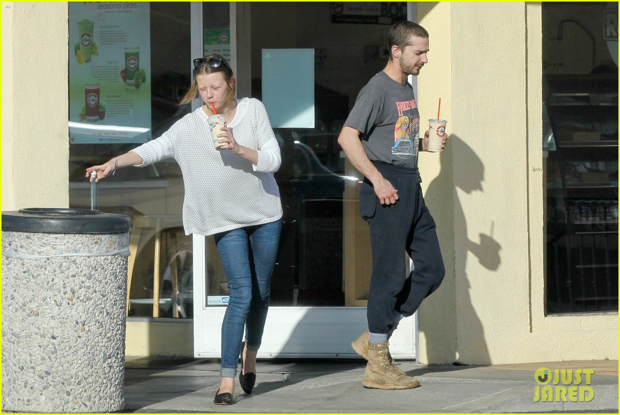 shia labeouf girlfriend mia goth pda pair while shopping 13