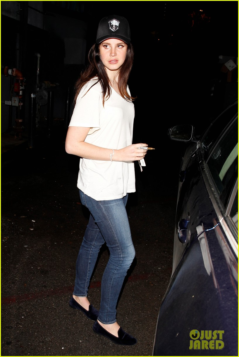 lana del rey spends thursday shopping partying 093049088