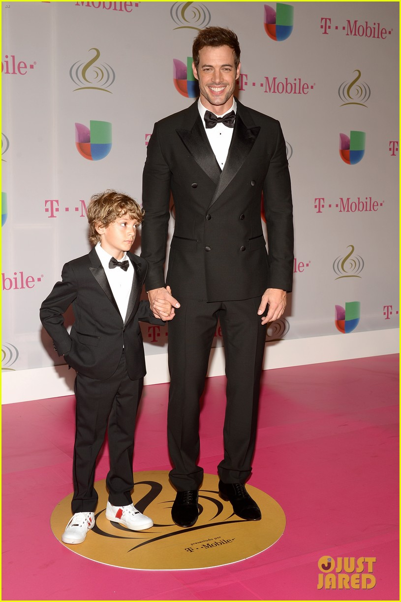 William Levy & Enrique Iglesias: Premio Lo Nuestro Latin ...