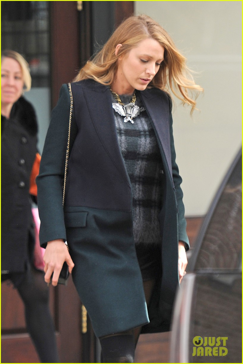blake lively wears super short shorts in freezing new york 10