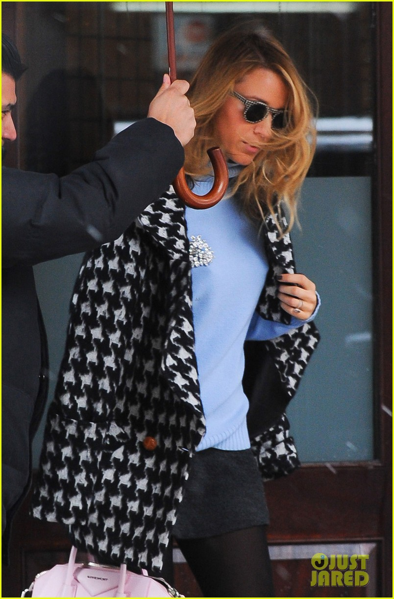 blake lively will bake for ryan reynolds on valentines day 043053035