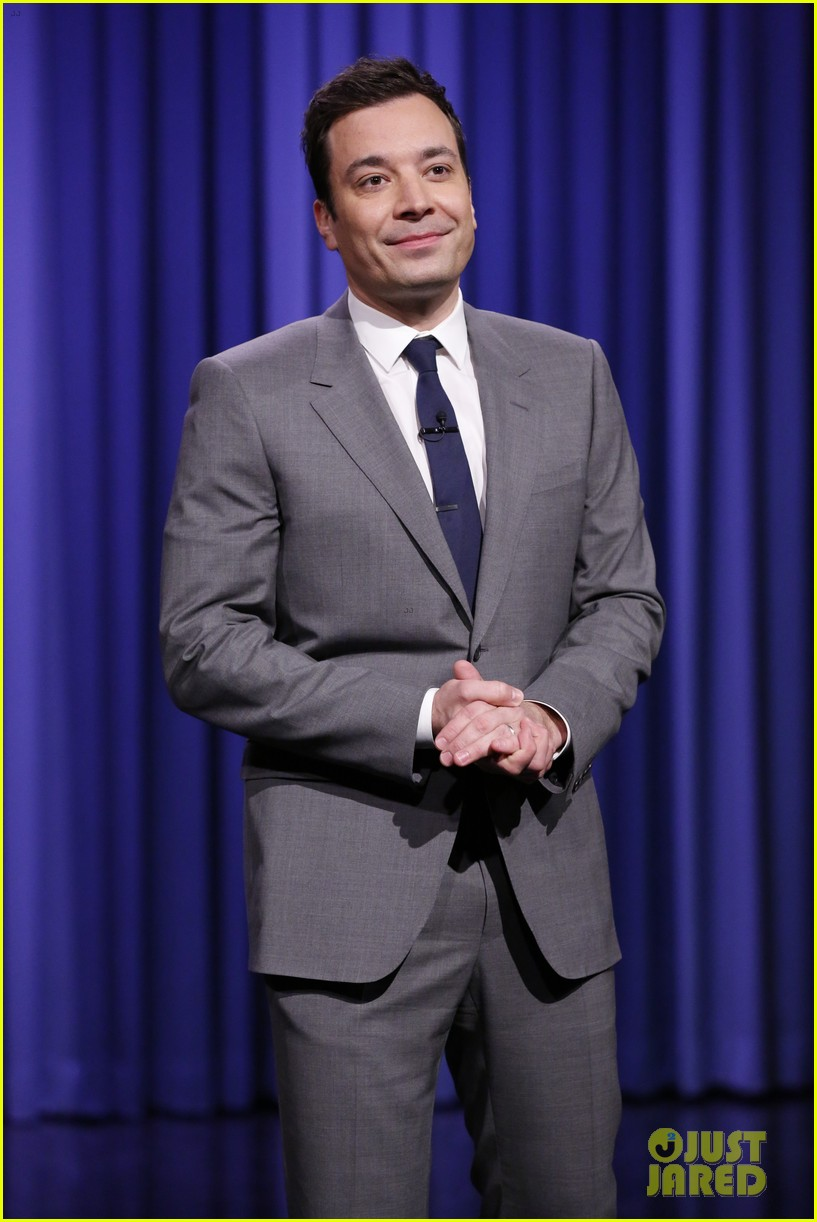lindsay lohan kim kardashian more surprise jimmy fallon for tonight show debut 033055421
