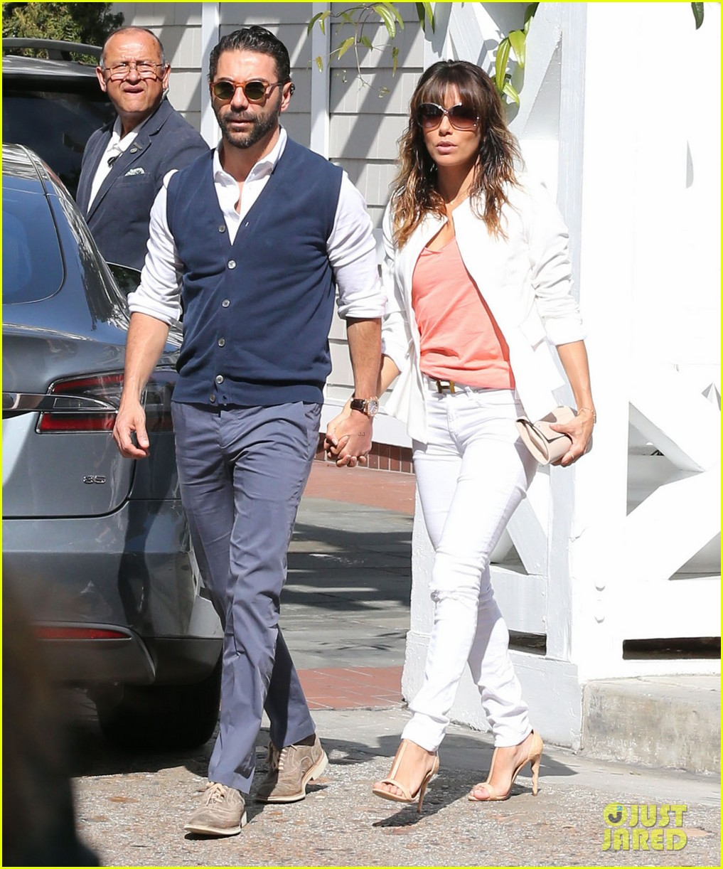 eva longoria jose baston share romantic kiss after brunch 033054938