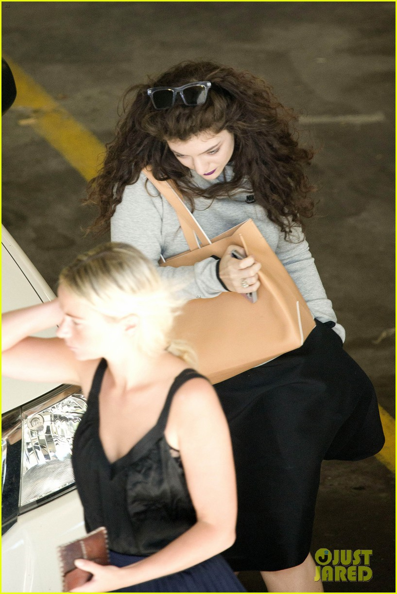 lorde takes boyfriend james lowe along for studio stop 163046967