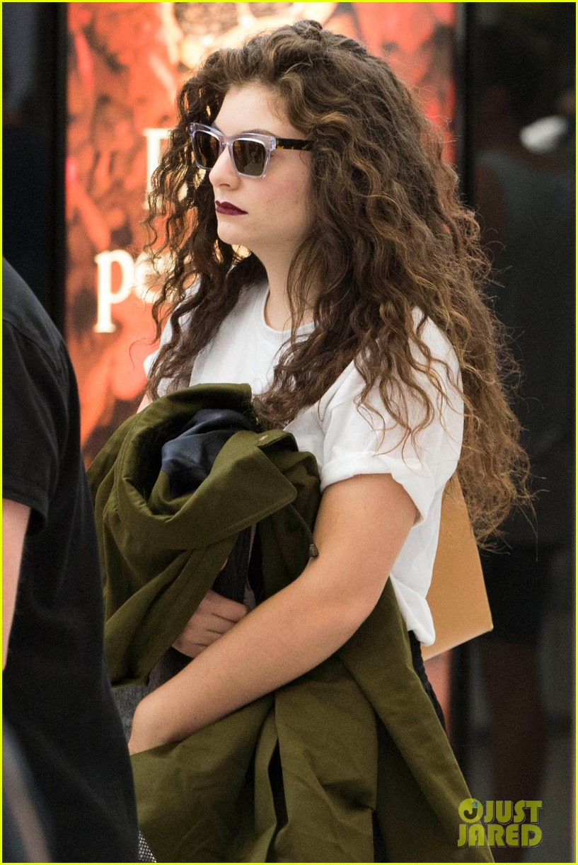 lorde what im going through is so abnormal 06