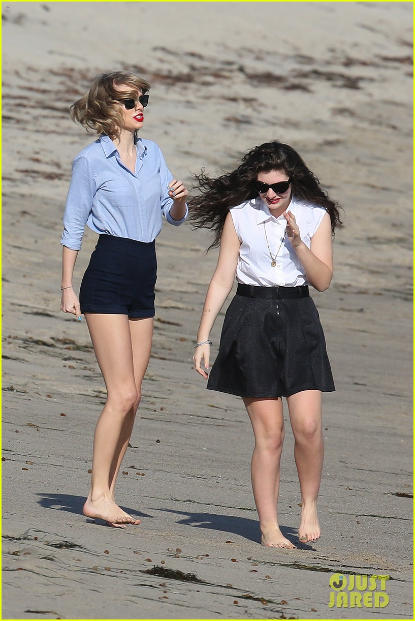 lorde gets breakfast with kiernan shipka after beach day with taylor swift 20