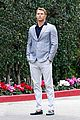 kellan lutz will support red carpet green dress at oscars 2014 01