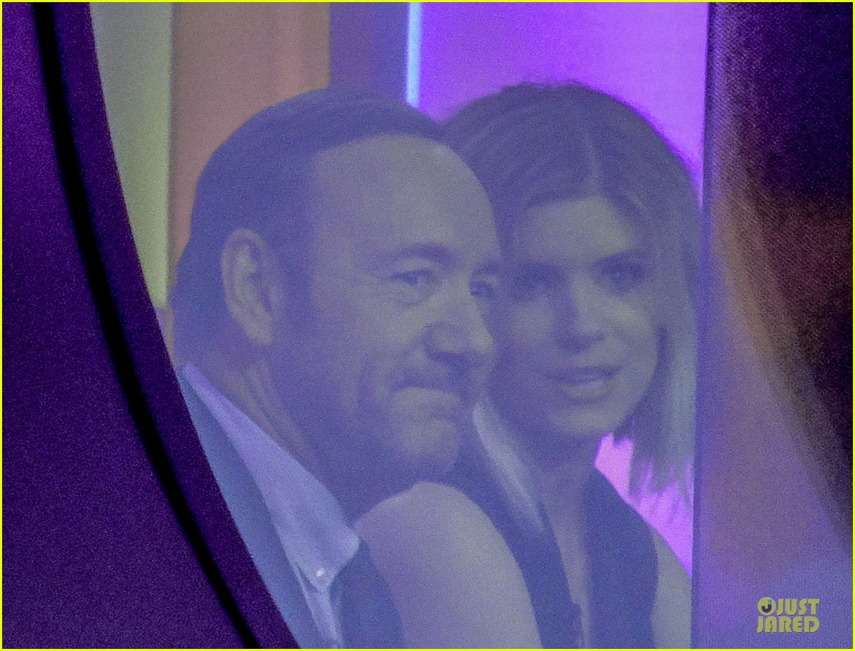 kate mara kevin spacey house of cards promo in london 02