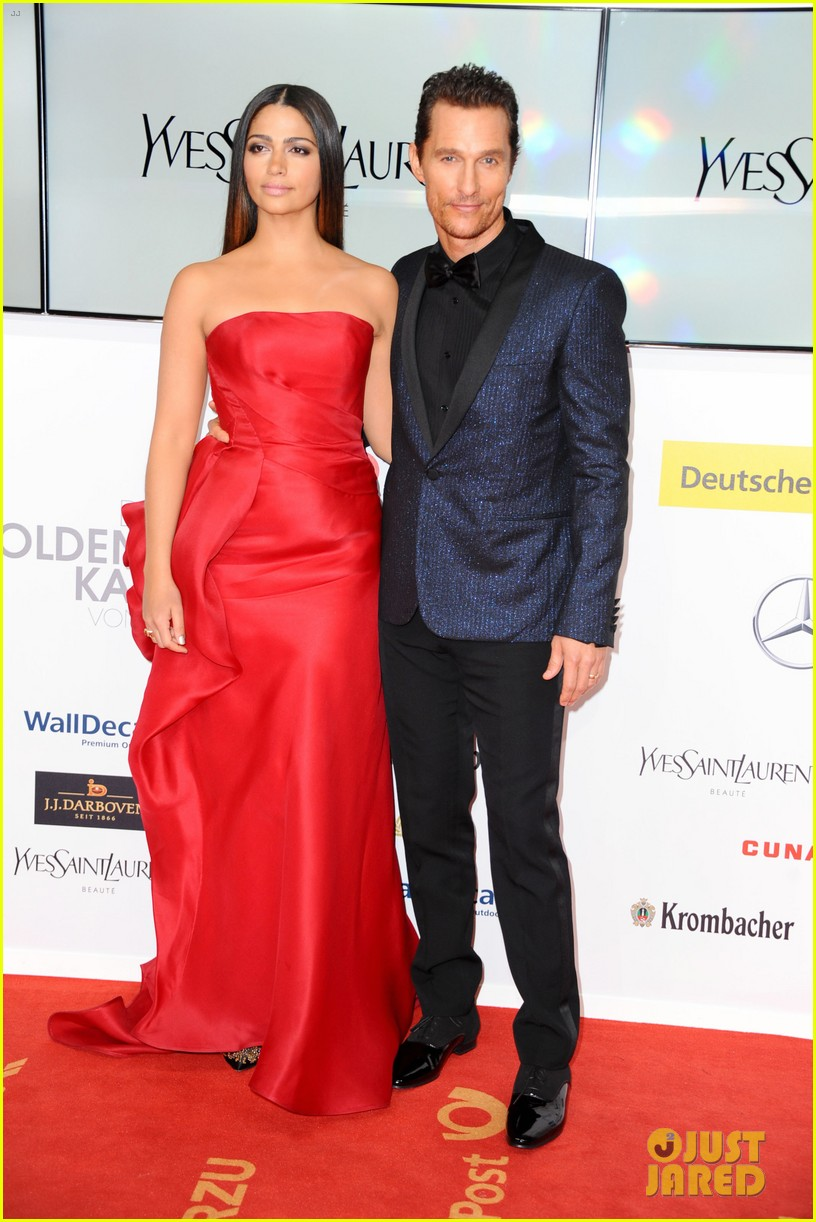 matthew mcconaughey camila alves picture perfect pair at goldene kamera awards 12