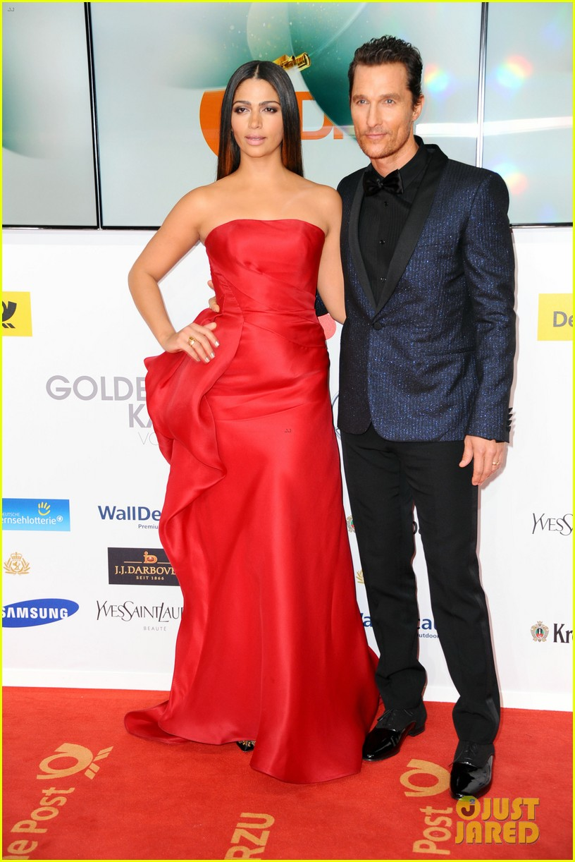 matthew mcconaughey camila alves picture perfect pair at goldene kamera awards 13