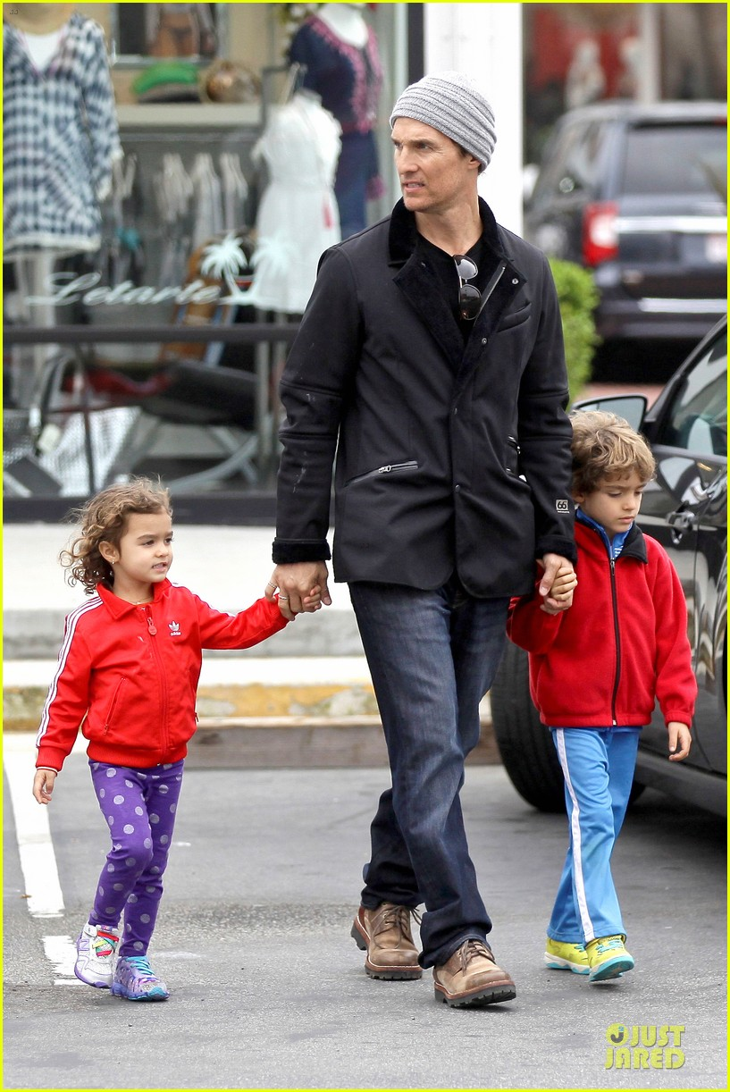 matthew mcconaughey lego movie showing with the kids 11