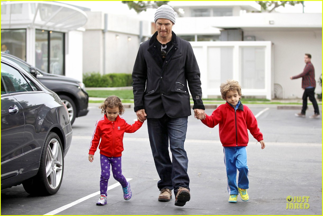 matthew mcconaughey lego movie showing with the kids 16