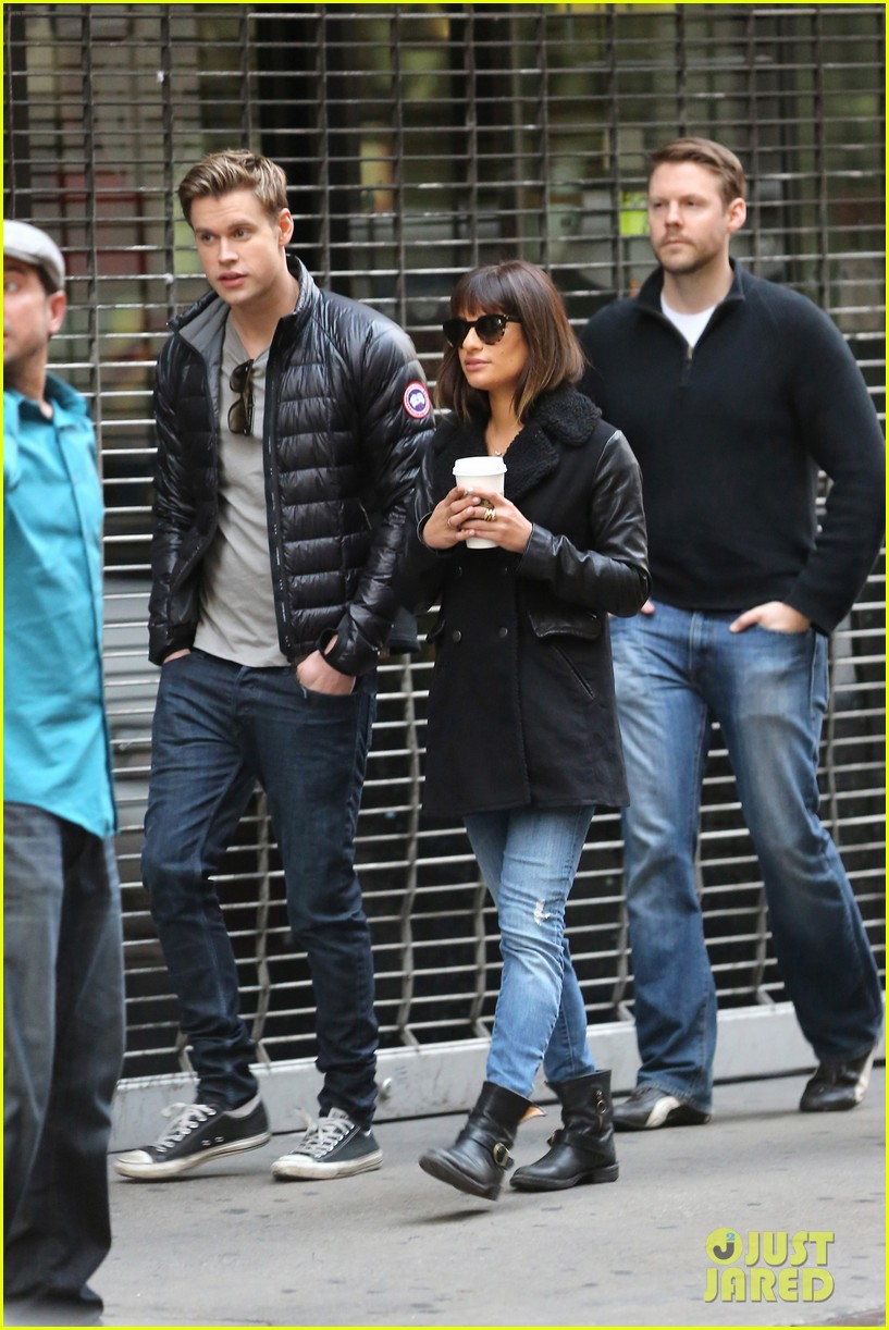 lea michele chris colfer film memorial scene for glee 02