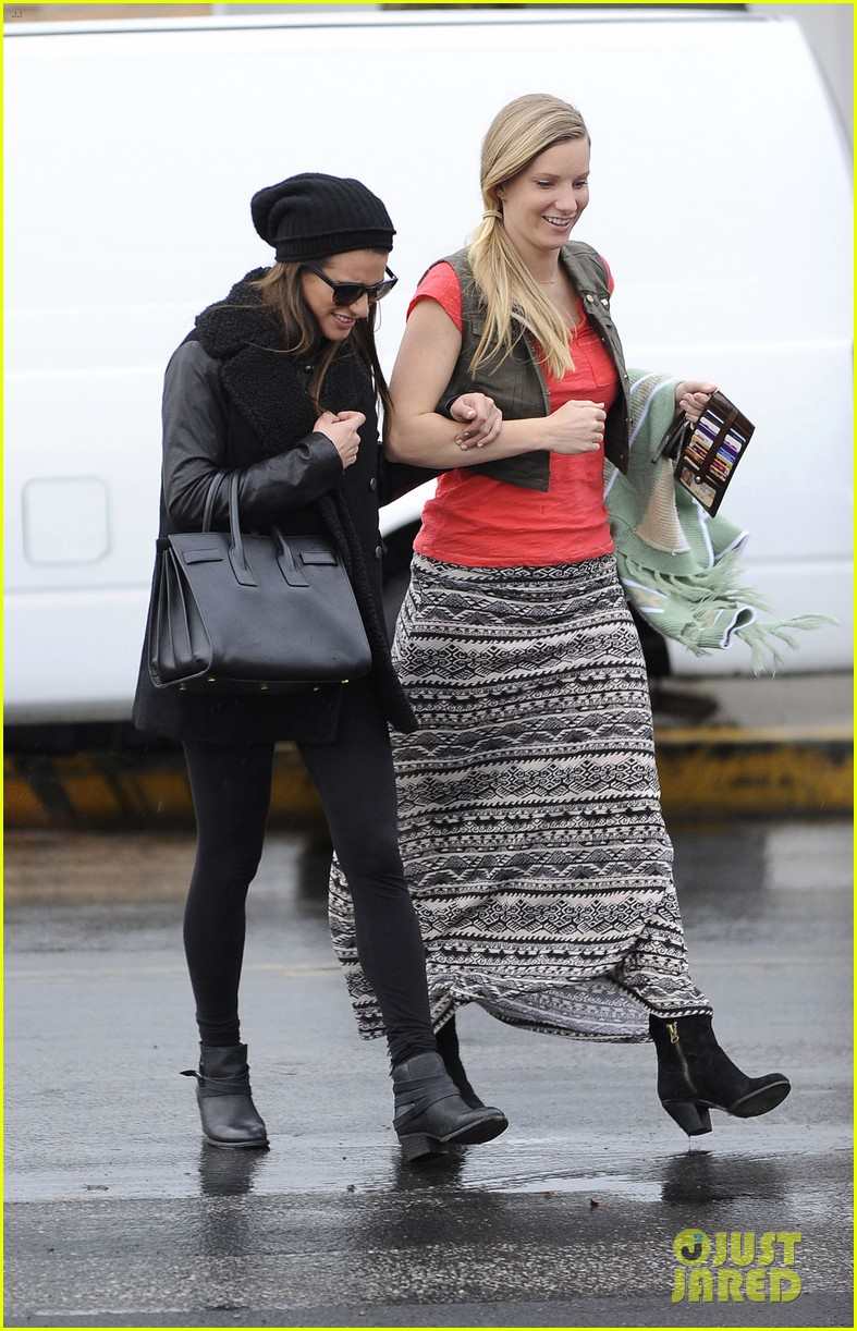 lea michele heather morris walk arm in arm in rainy la 05