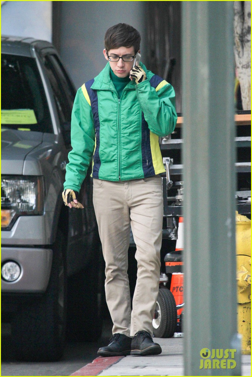 lea michele films glee new york scenes with kevin mchale 03