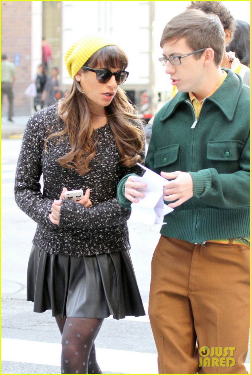 lea michele films glee new york scenes with kevin mchale 04