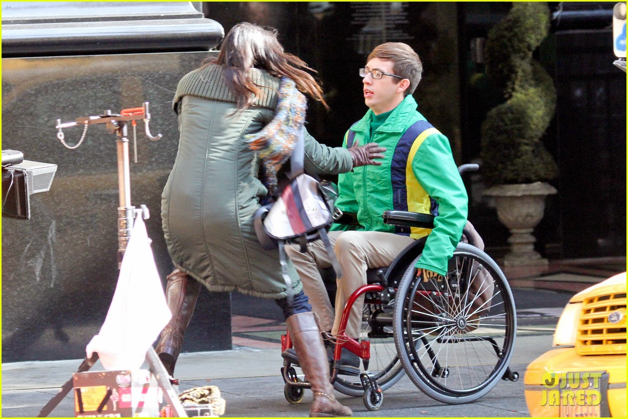 lea michele films glee new york scenes with kevin mchale 073056536