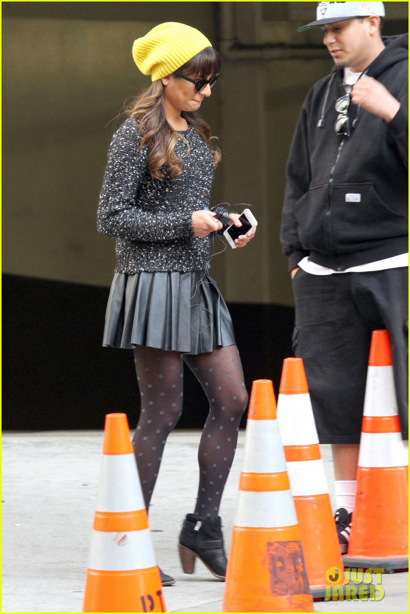 lea michele films glee new york scenes with kevin mchale 30
