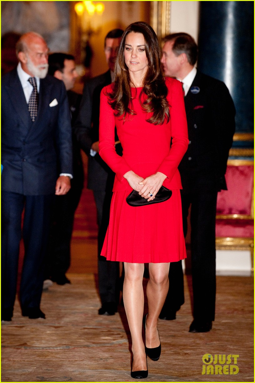 kate middleton recycles alexander mcqueen dress for arts reception 053055180