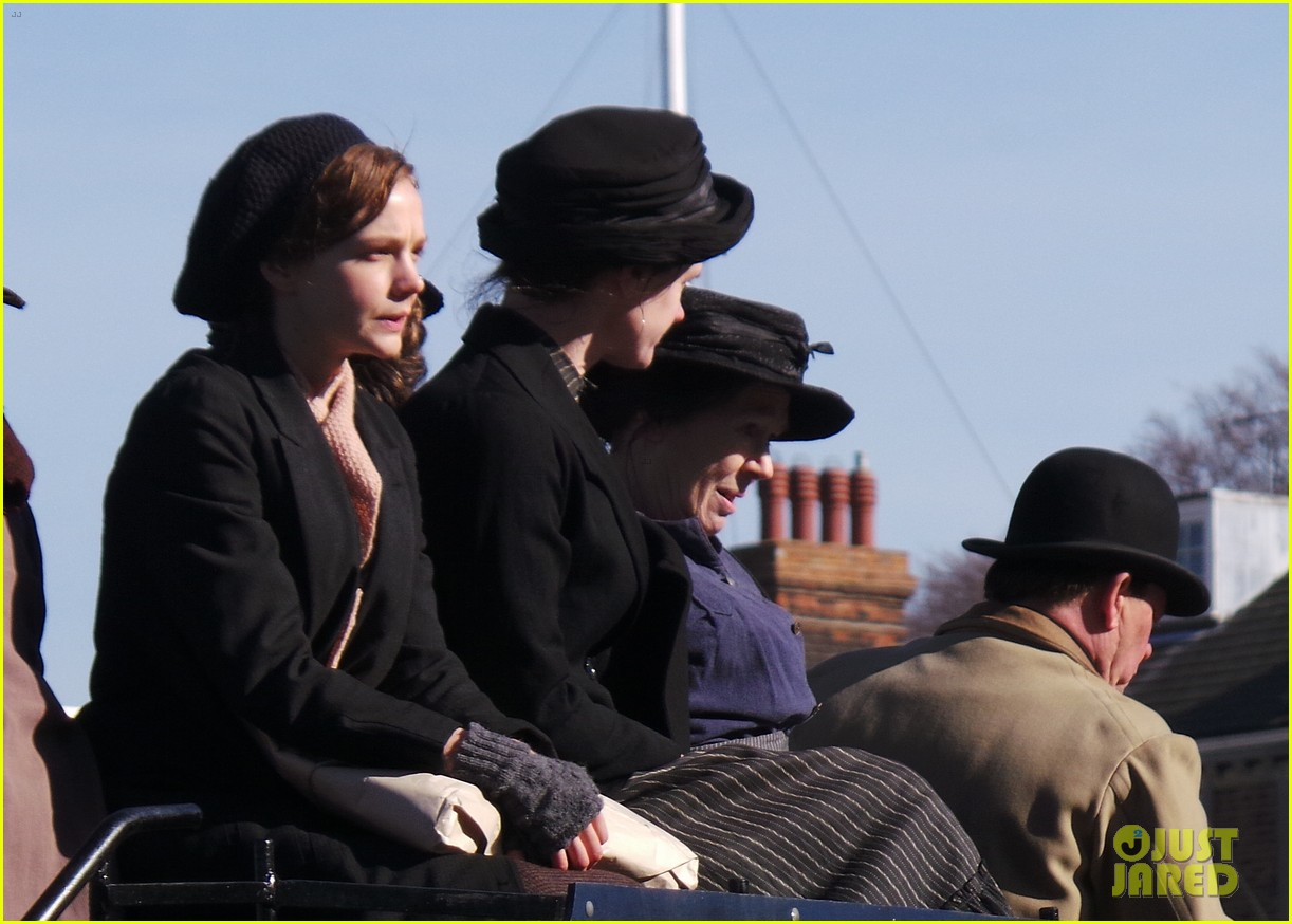 carey mulligan begins filming suffragette in london 13