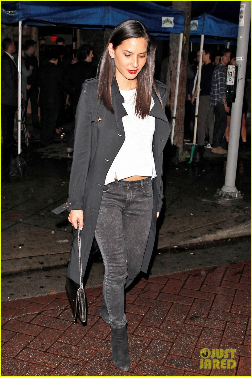 olivia munn hits a party while joel kinnaman films the killing 05