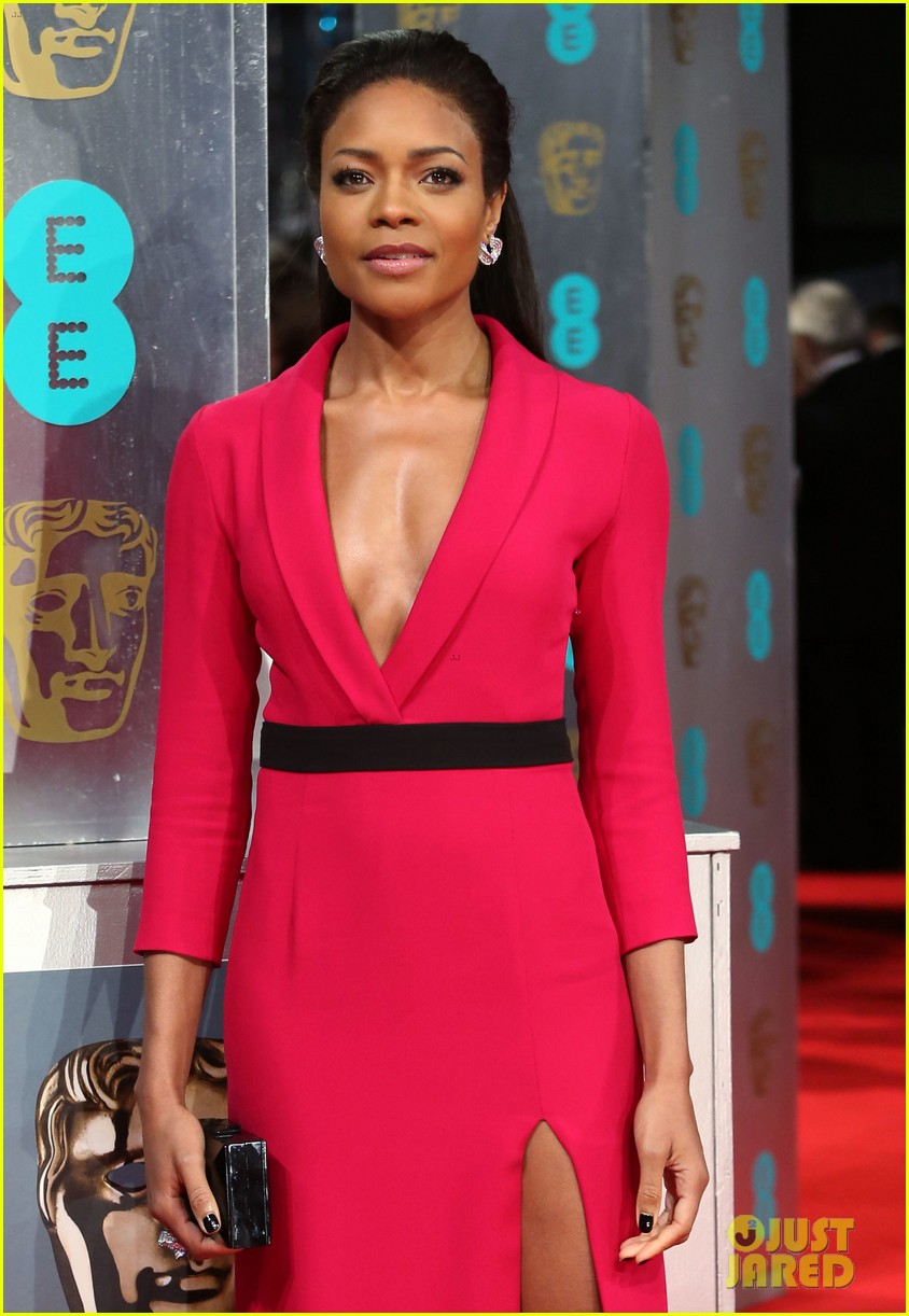naomie harris baftas 2014 red carpet 033054546