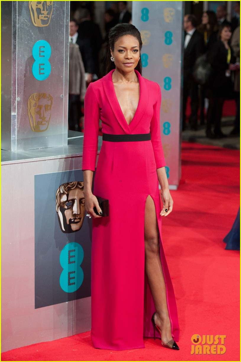 naomie harris baftas 2014 red carpet 043054547
