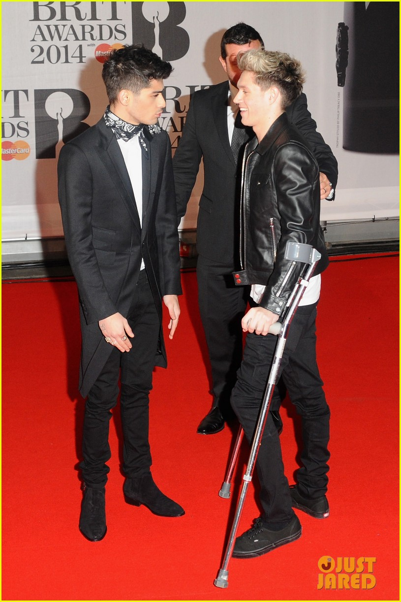 one direction brit awards red carpet 2014 04a