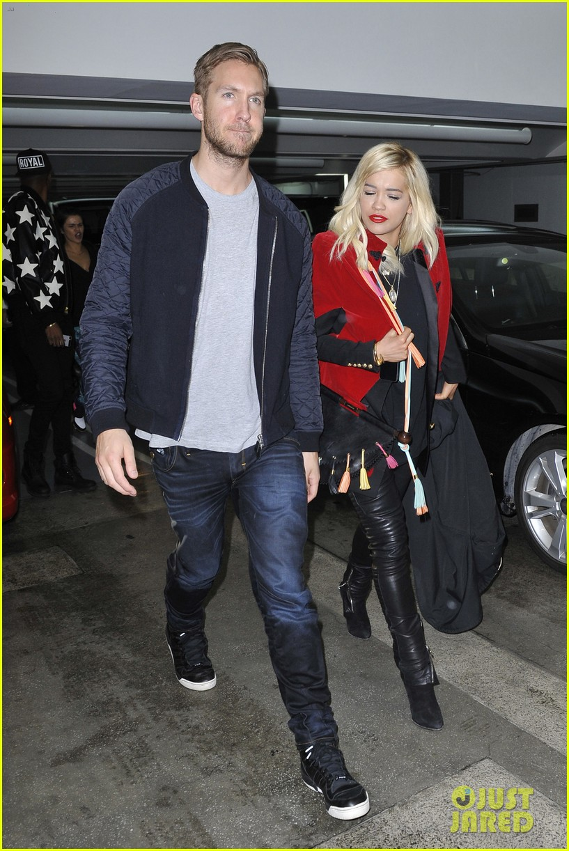 rita ora cant keep her hands off boyfriend calvin harris 01