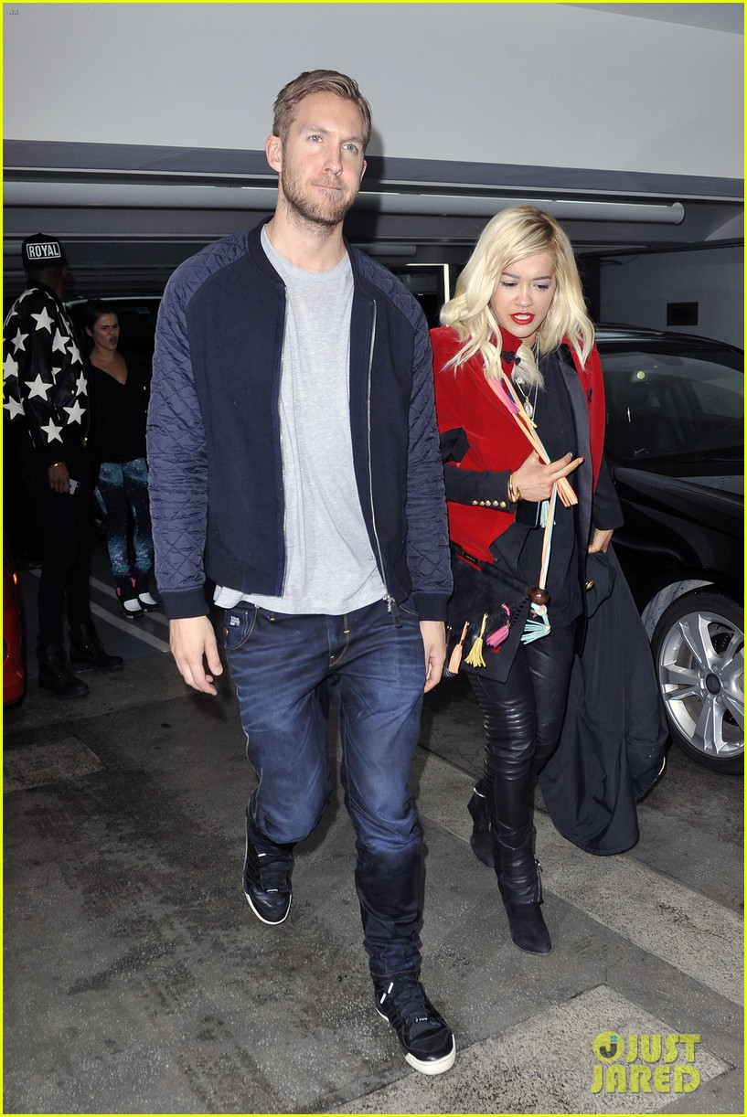 rita ora cant keep her hands off boyfriend calvin harris 343048937