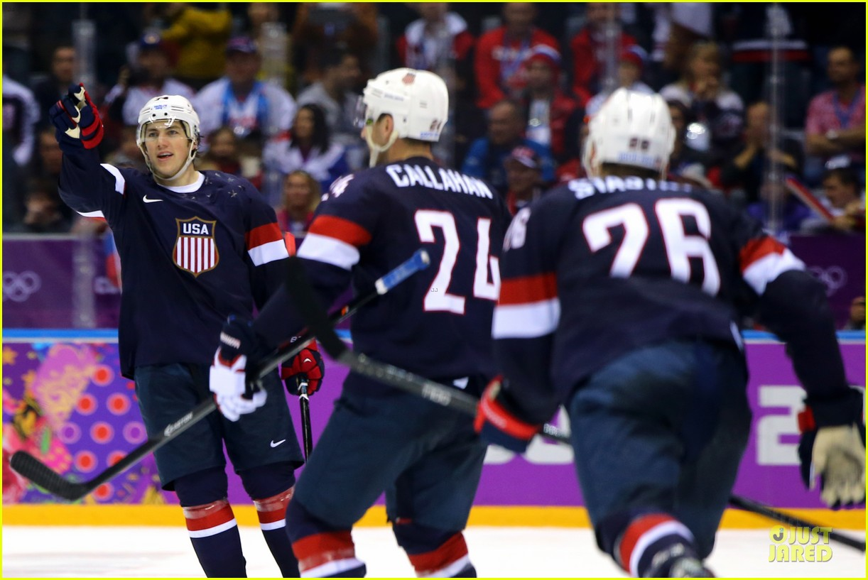 tj oshie scores winning goal for us against russia at sochi olympics 023053871