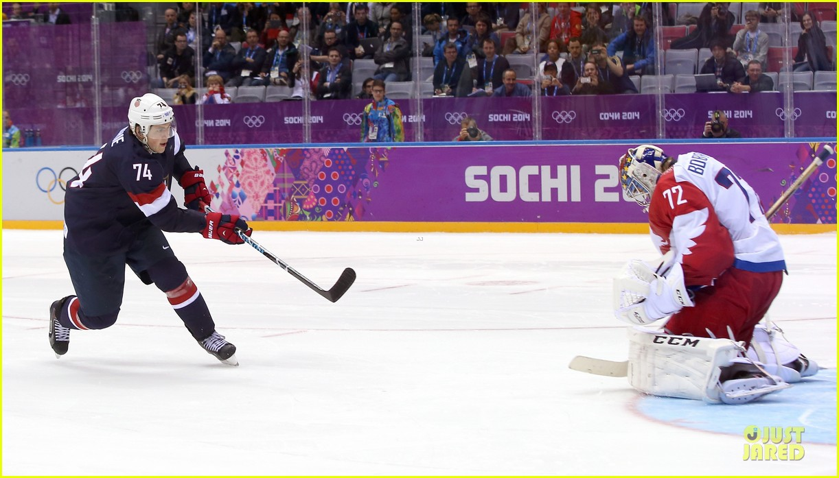 tj oshie scores winning goal for us against russia at sochi olympics 073053876