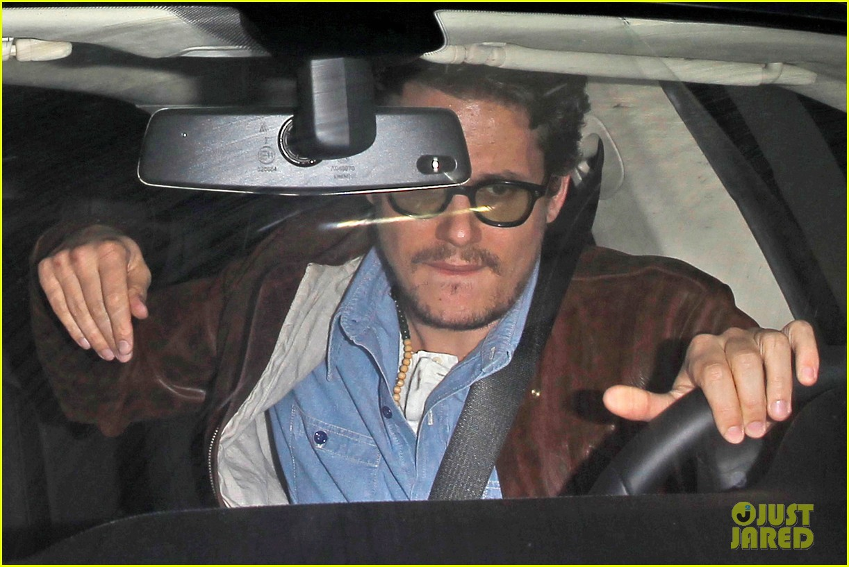 katy perry john mayer engagement rumors swirl after ring spotted on that finger 10