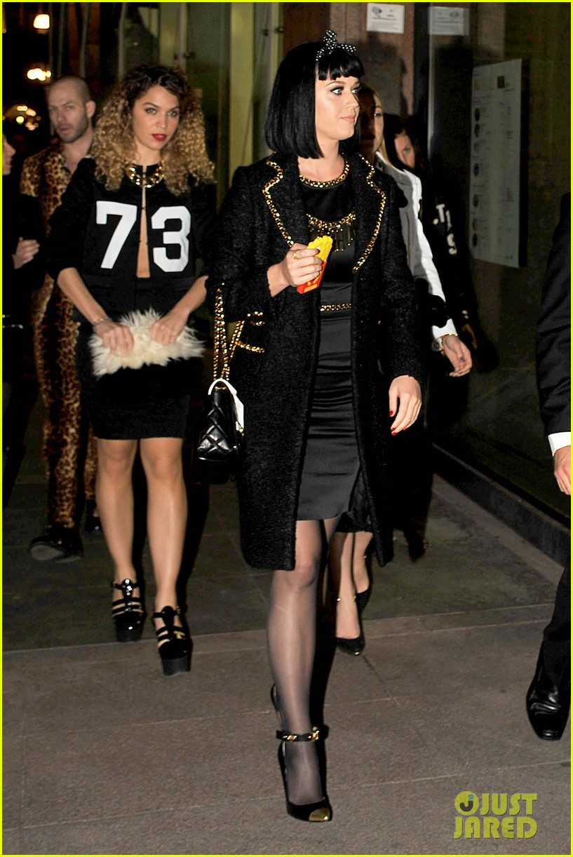 katy perry rita ora walk runway in moschino fashion show 24