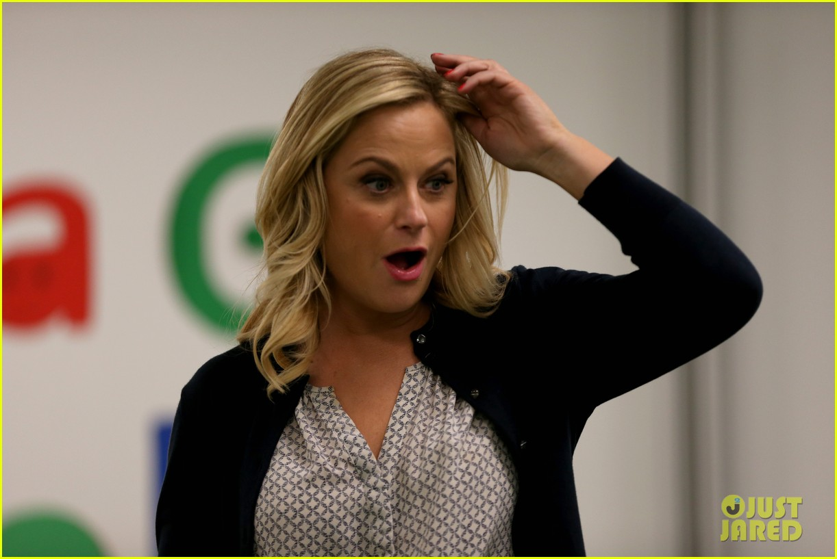 amy poehler michelle obama promote lets move initiative 02