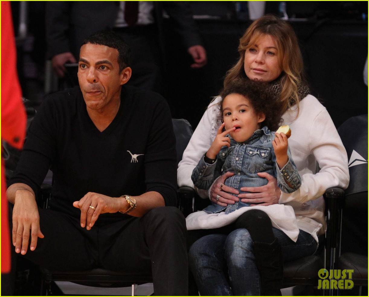 ellen pompeo will ferrell lakers courtside seats with the kids 02