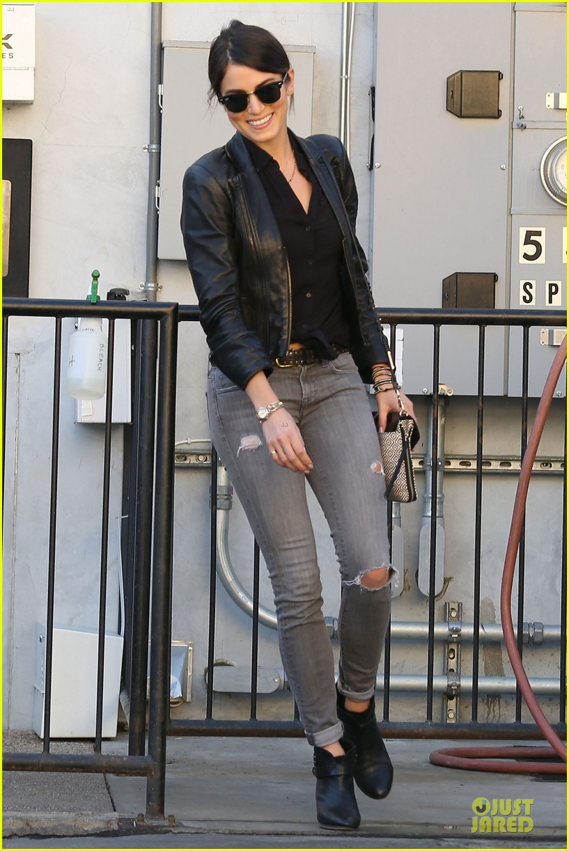 nikki reed rocks leather for spot shopping 01
