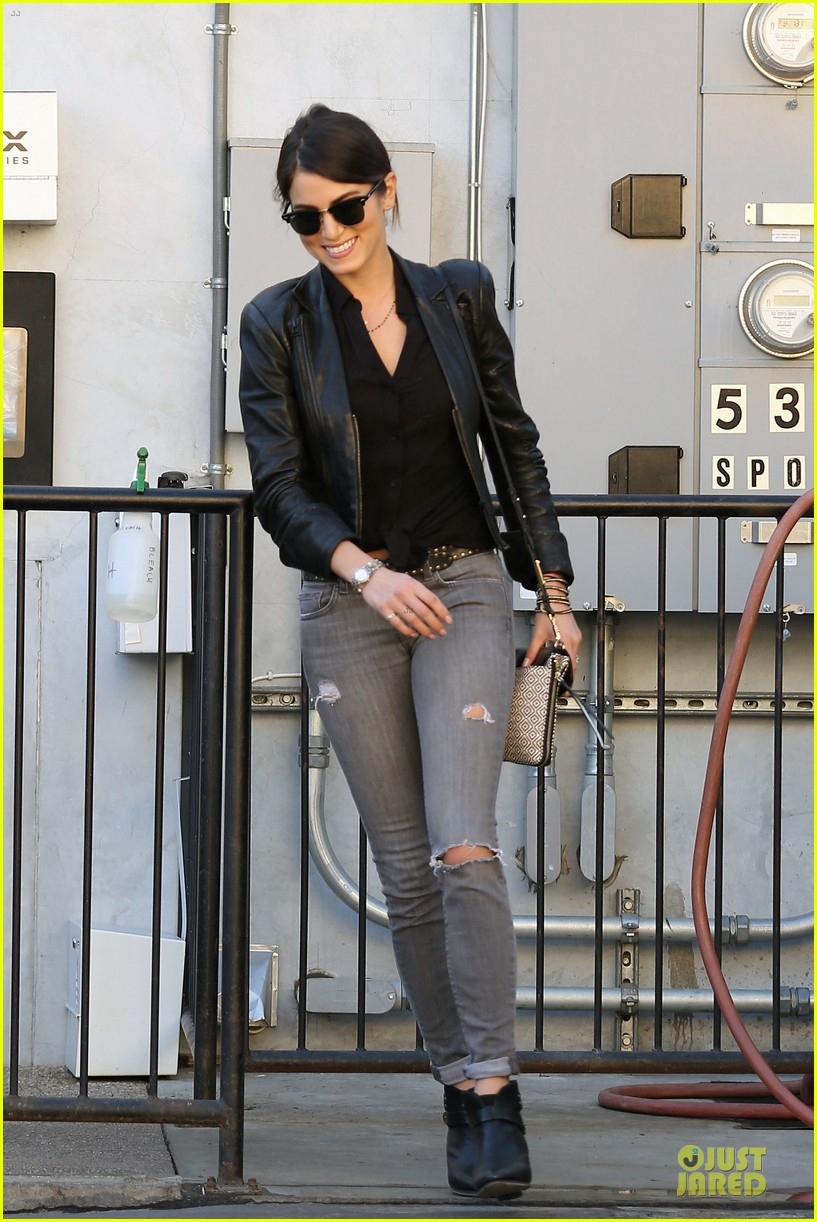 nikki reed rocks leather for spot shopping 18