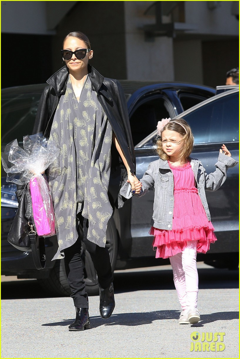 nicole richie birthday party fun with cutie pie harlow 103046769