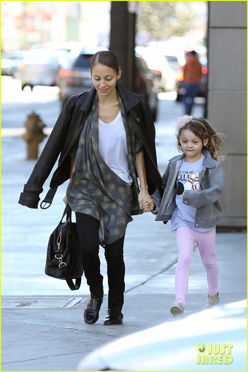 nicole richie birthday party fun with cutie pie harlow 18