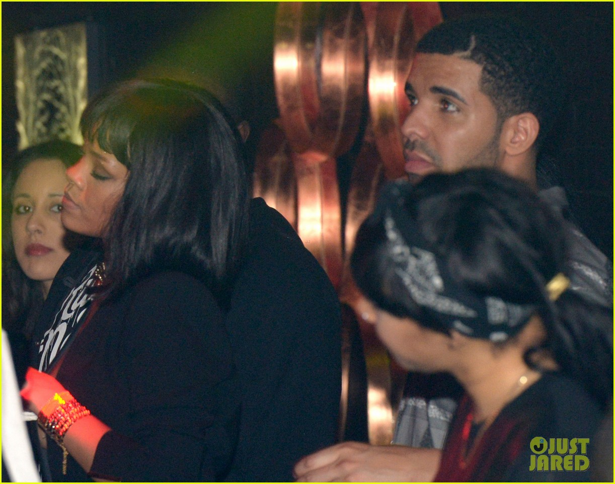 rihanna supports drake at club one year anniversary 04