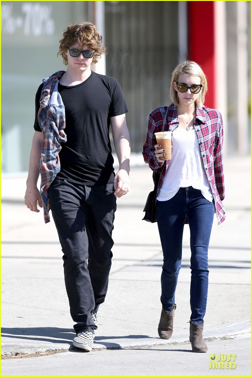 emma roberts toasts 23rd birthday with evan peters 08