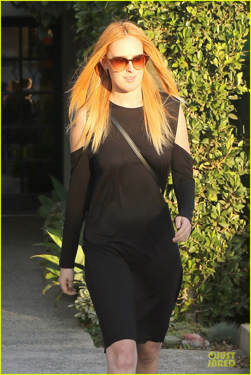 rumer willis rocks lighter hair at andy lecompte salon 02