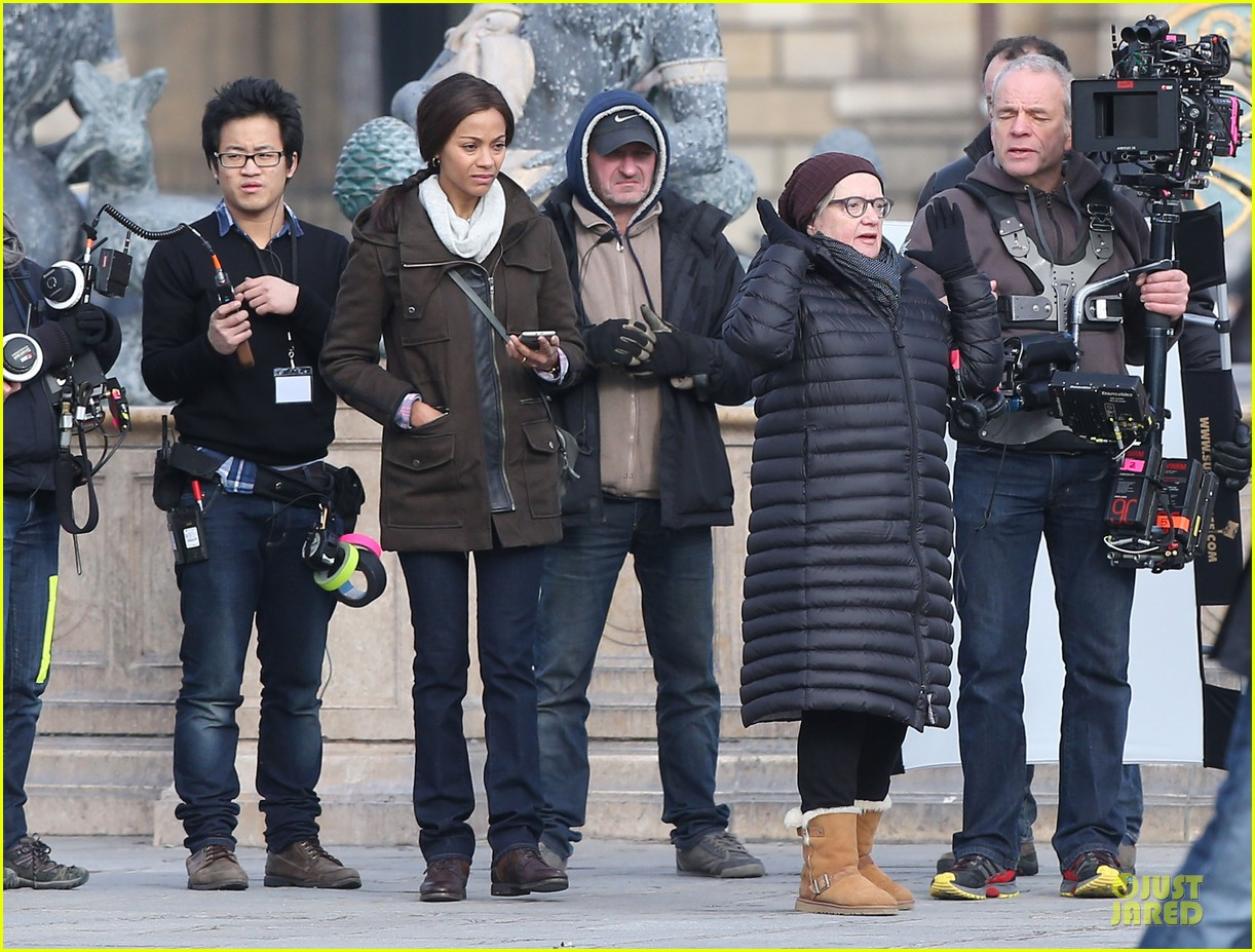 zoe saldana bundled for rosemary baby set 21